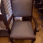 Új kárpit a másik széken